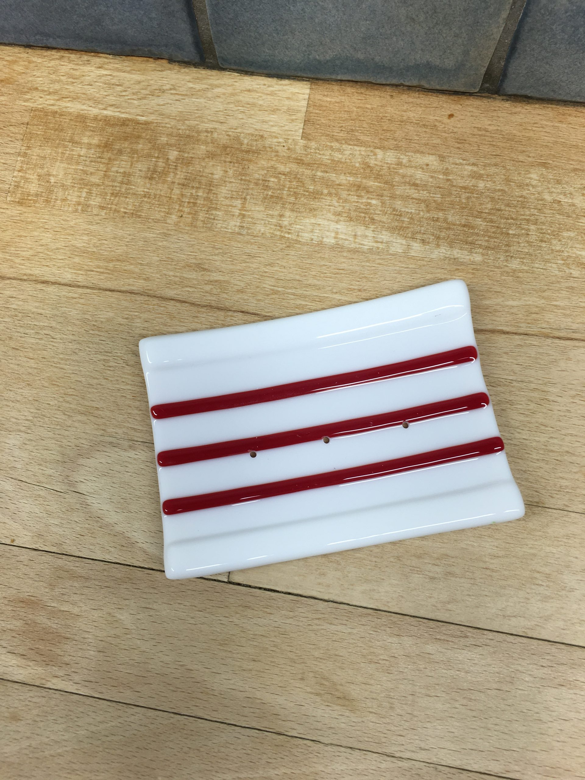 Red & White Soap Dish